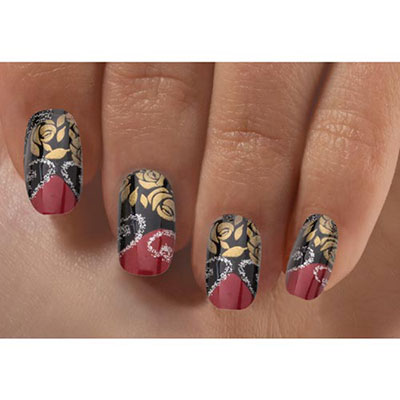 Golden Scroll Nails